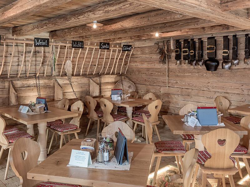Gastraum - Tischlerei Hager
